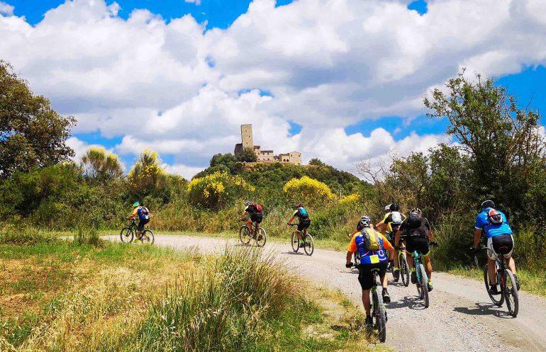 bicicletta cicloturismo mountain bike