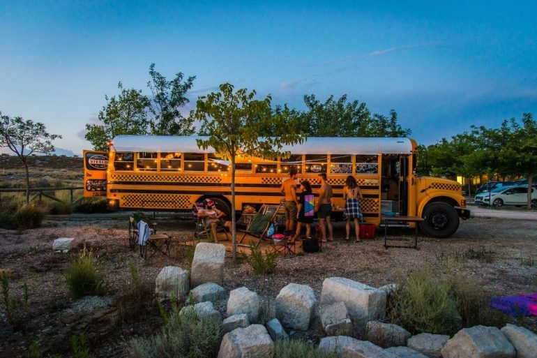 schoolbus glamping officine vivaldi
