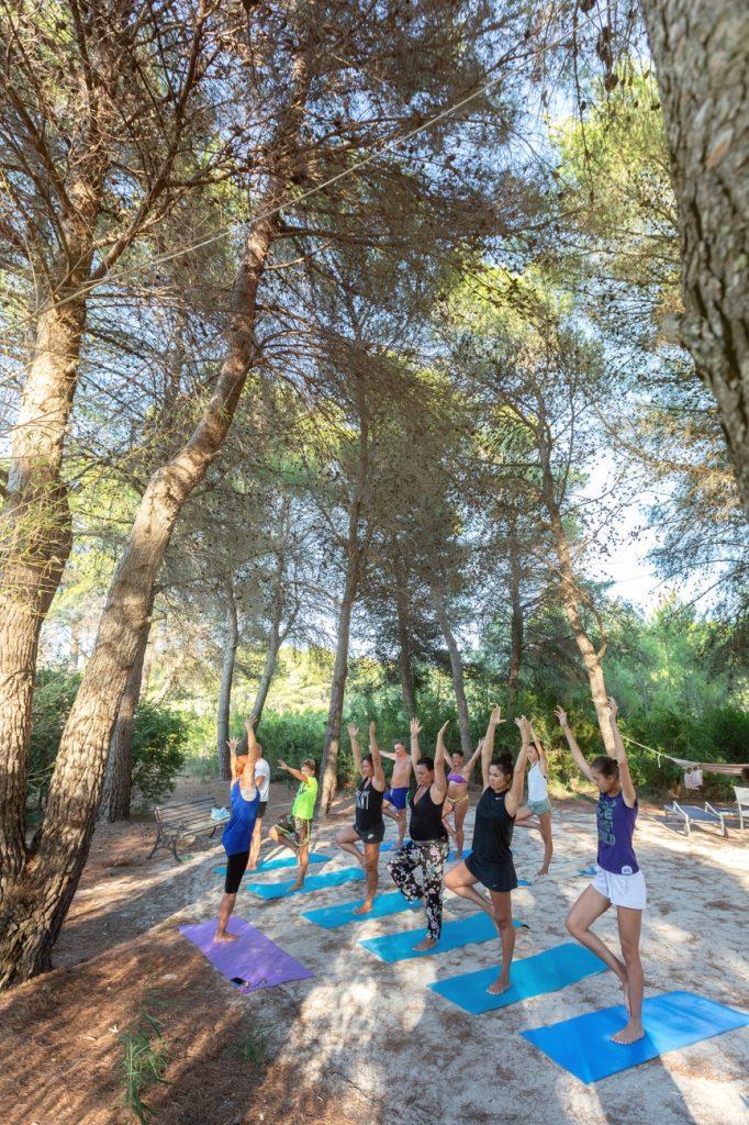 yoga al Vivosa Apulia Resort