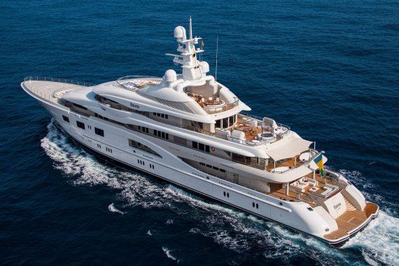 yacht Valerie